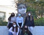 Foro116 junto a Sabino, un gran trol hecho con materiales reciclados que está en los jardines de IES Isaac Peral.