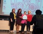Nuestra antigua alumna Miriam Barranco en la entrega del premio al mejor trabajo de Murcia