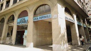 Antigua sucursal bancaria en un pueblo de Palencia